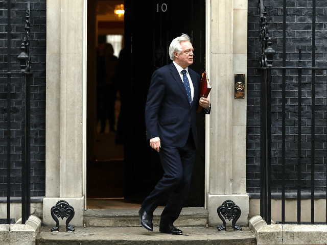 Ex-Brexit Secretary David Davis Urges Cabinet to Rebel Against PM May
