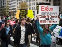 Exxon Mobil protest (Johnny Silvercloud / Flickr / CC / Cropped)