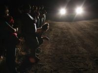 Groups of 100 Central American Migrants Apprehended at Texas Border