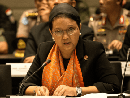 Indonesian Foreign Minister Retno Marsudi speaks during a trilateral meeting in security in Manila on June 22, 2017. / AFP PHOTO / NOEL CELIS (Photo credit should read NOEL CELIS/AFP/Getty Images)