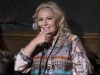 Roseanne Barr Reacts to 'The Conners': 'I AIN'T DEAD, BITCHES!!!!'