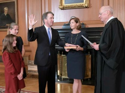 Supreme_Court_Kavanaugh_05540.jpg-76aba_s878x585