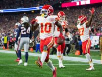 WATCH: Patriots Fans Throw Beer in Tyreek Hill's Face After TD