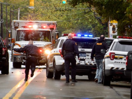 pittsburgh-synagogue-shooting-ambulance-getty