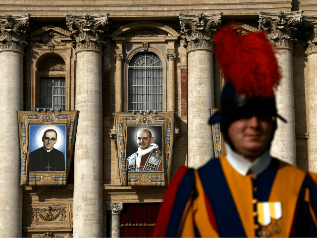 A general view of a Mass for a canonization ceremony of Pope Paul VI and the martyred Salvadoran Archbishop Oscar Romero in St Peter's Square at the Vatican, on October 14, 2018. - Pope Francis canonizes two of the most important and contested figures of the 20th-century Catholic Church, declaring …