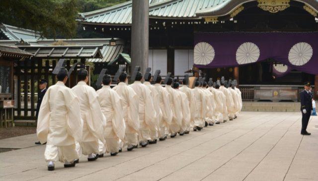 Tokyo war shrine priest to quit for criticising Emperor