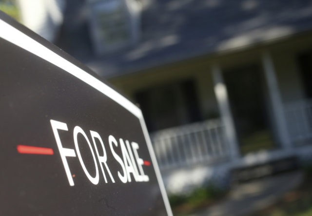 Mortgage rates leap to 7-year highs; 30-year at 4.90 percent