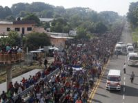 Migrant Caravan Grows to 7,000, Trump Vows to Cut Central American Aid