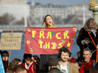 PICTURES: Leftist Protesters Block London Bridges over 'Climate Change'