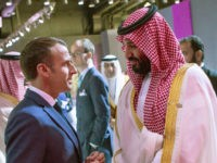 Saudi Crown Prince Mohammed bin Salman (R) meets with French President Emmanuel Macron in Buenos Aires during the G20 Leaders' Summit, on November 30, 2018. - G20 powers open two days of summit talks on Friday after a stormy buildup dominated by tensions with Russia and US President Donald Trump's …