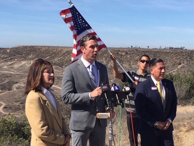 Diane Harkey, Duncan Hunter, Juan Hidalgo at the Border (Joel Pollak / Breitbart News)