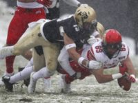 Referee Stops College Football Game Because Fans Were Throwing Snowballs