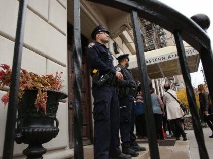 Synagogue attack (Kena Betancur / AFP / Getty)