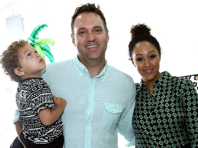 CULVER CITY, CA - APRIL 24: Journalist Adam Housley (C) and Tamera Mowry-Housley (R) attend Safe Kids Day 2016 presented by Nationwide at Smashbox Studios on April 24, 2016 in Los Angeles, California. (Photo by Tommaso Boddi/Getty Images for Safe Kids Worldwide)