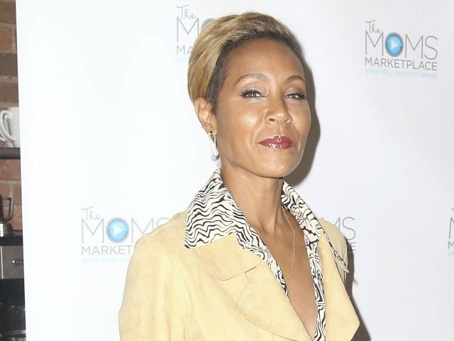 Photo by: KGC-146/STAR MAX/IPx 2018 10/23/18 Jada Pinkett-Smith and her mother, Adrienne Banfield-Jones at the MOMS Host Mamarazzi Event in New York City.