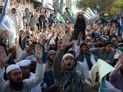 Pakistani Islamists protest against the Supreme Court's decision to acquit Christian woman Asia Bibi of blasphemy