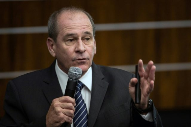 Bolsonaro names general as Brazil defense minister
