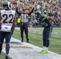 Rams, Seahawks give Floyd Mayweather footballs for TD celebrations