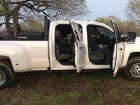19 Migrants packed into smuggler's pickup truck. (Photo: U.S. Border Patrol/Laredo Sector)