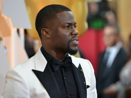 Kevin Hart arrives on the red carpet for the 87th Oscars on February 22, 2015 in Hollywood, California. AFP PHOTO / VALERIE MACON (Photo credit should read VALERIE MACON/AFP/Getty Images)