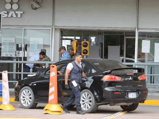 Seven Mexican Customs Agents Busted in Arms Smuggling Investigation