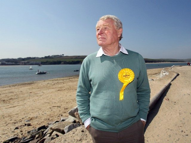 Tributes paid after former Liberal Democrat leader Paddy Ashdown dies aged 77