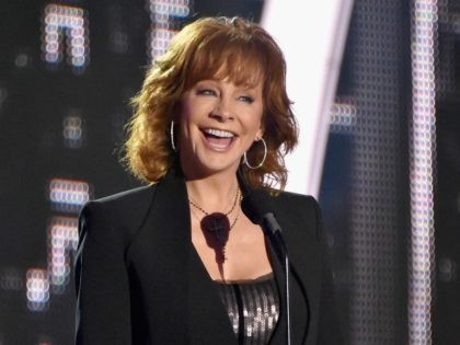 NASHVILLE, TN - JUNE 07: Singer Reba McEntire presents Breakthrough Video of the Year award during the 2017 CMT Music awards at the Music City Center on June 7, 2017 in Nashville, Tennessee. (Photo by Mike Coppola/Getty Images for CMT)