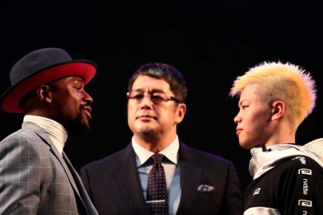 Floyd Mayweather knocks out Tenshin Nasukawa in boxing exhibition at RIZIN 14