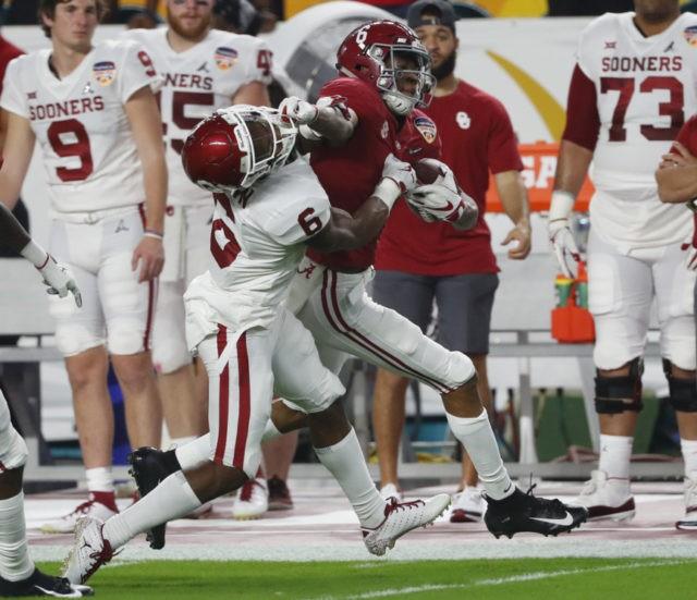 The Latest: Alabama strikes first, takes 7-0 lead vs ...