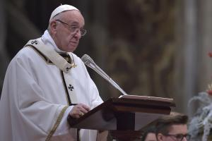 Pope Francis calls for rejection of materialism in Christmas Eve mass
