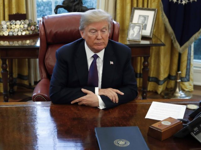 Donald Trump Oval Office (Carolyn Kaster / Associated Press)