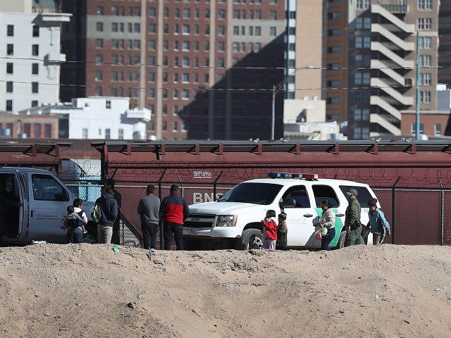 Border Patrol Agents in El Paso apprehend family unit aliens illegally crossing border. (Photo: Joe Raedle/Getty Images)