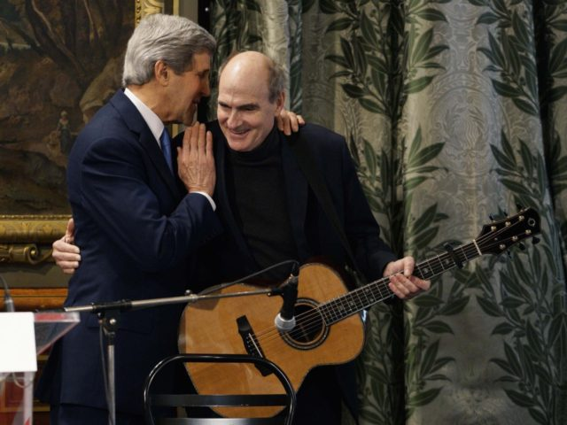 John Kerry and James Taylor (Rick Wilking / AFP / Getty)