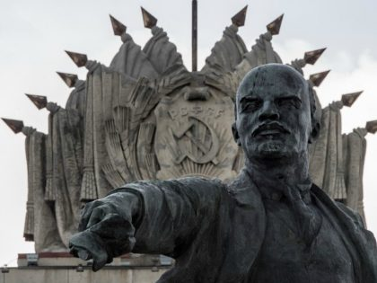 A photo taken on June 25, 2017 shows a sculpture of the founder of the Soviet Union Vladimir Lenin erected in 1970 at Moscow Square in front of the House of Soviets in Saint Petersburg. This year Russia will mark the 100 Anniversary of the Bolshevik Revolution also known as …