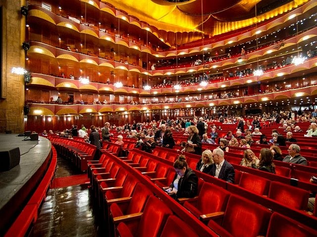 NEW YORK, NY - OCTOBER 01: Audiences fill the theater during 'The Opera House' screening at the 55th New York Film Festival at The Metropolitan Opera House on October 1, 2017 in New York City. (Photo by Roy Rochlin/Getty Images)