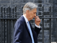 Civil War: Brexit Tories Brand Hammond's No Deal Stance 'Treacherous'