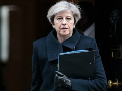 Cabinet Source: May Could Resign if She Suffers Heavy Brexit Vote Defeat