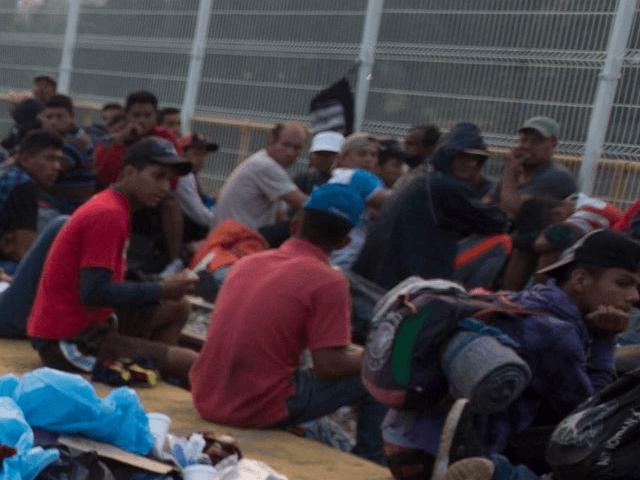 ad4ca970-41a8-4f22-a50c-5b4b7785df36-AP_Central_America_Migrant_Caravan