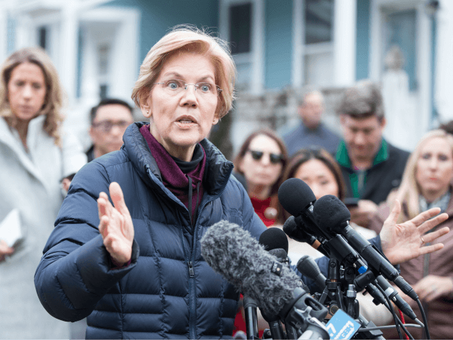Warren Fights for Early Democratic Position in Iowa Campaign Swing