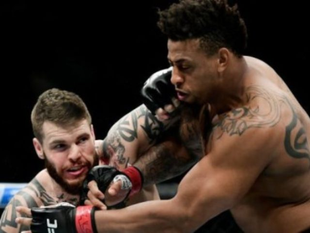 Greg Hardy Disqualified for Illegal Knee at UFC Fight Night