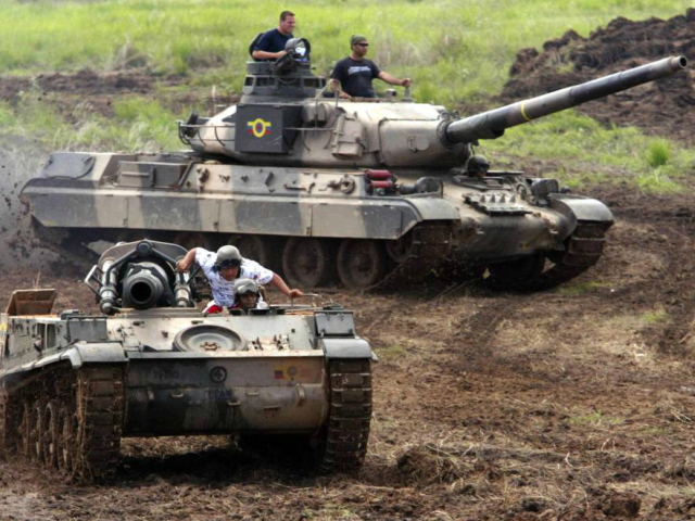 Venezuelan AMX-30 tanks during maneuvers. ANDREW ALVAREZ (AFP/Getty Images)