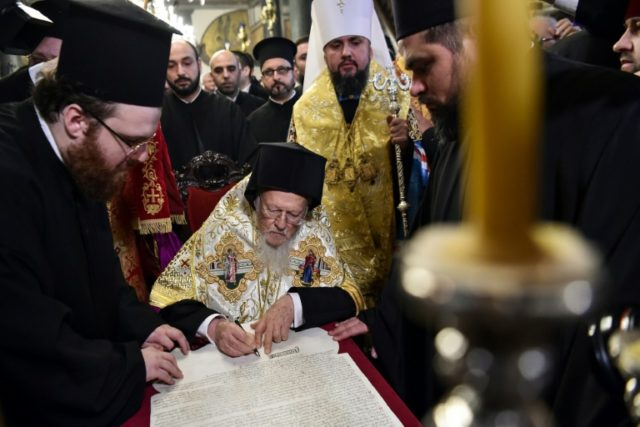 The Russian Orthodox Church has cut ties with the Constantinople Patriarchate in protest at its backing for the independent Ukraine dhurch