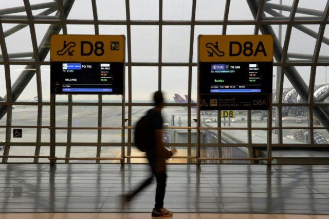 Saudi woman held at Bangkok airport pleads for asylum