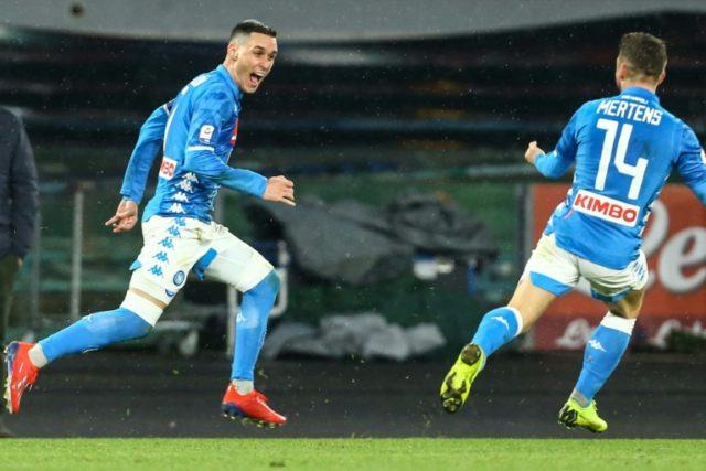Napoli beat Lazio to keep sight of Juventus
