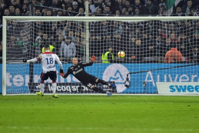 Last-gasp Dembele wins derby for Lyon as Marseille halt slide