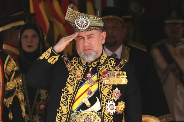 Malaysia king: Sultan Muhammad V abdicates in historic first