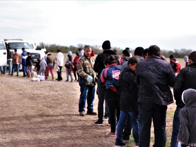 Rio Grande Valley Sector Border Patrol agents apprehend a large group of migrants after they illegally crossed border from Mexico. (Photo: U.S. Border Patrol/Rio Grande Valley Sector)