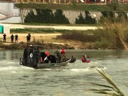 Eagle Pass Station Marine Unit agents rescue five Honduran migrants, including two toddlers, from the Rio Grand River near a legal port of entry. (Photo: U.S. Border Patrol/Del Rio Sector)