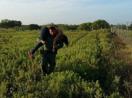 Falfurrias Station Border Patrol agents rescues a migrant woman who human smugglers left behind to die. (File Photo: U.S. Border Patrol/Rio Grande Valley Sector)