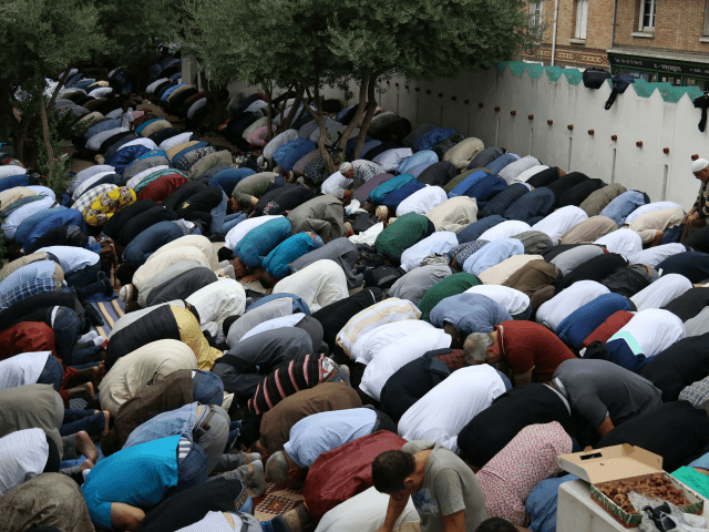 French Interior Ministry Bans Outdoor Gatherings for End of Ramadan
